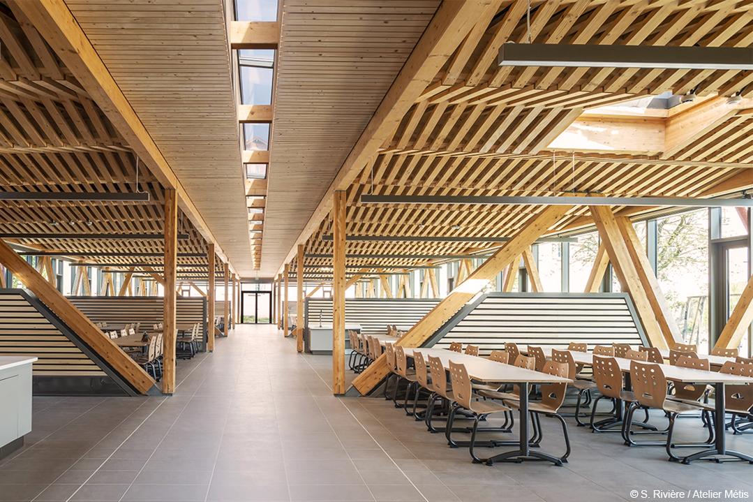 Extension lycée internat restaurant scolaire structure bois lamellé béton