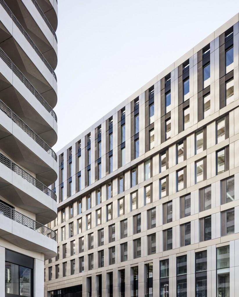 Baumschlager Eberle Architekten and SCAPE - Green Office® ENJOY - PH 081 - photo by Luc Boegly