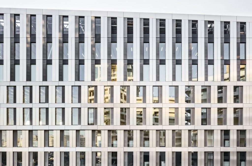 Baumschlager Eberle Architekten and SCAPE - Green Office® ENJOY - PH 091 - photo by Luc Boegly