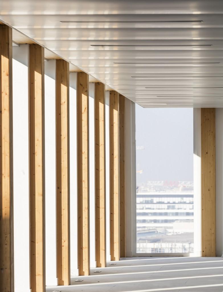 Baumschlager Eberle Architekten and SCAPE - Green Office® ENJOY - PH 100 - photo by Luc Boegly