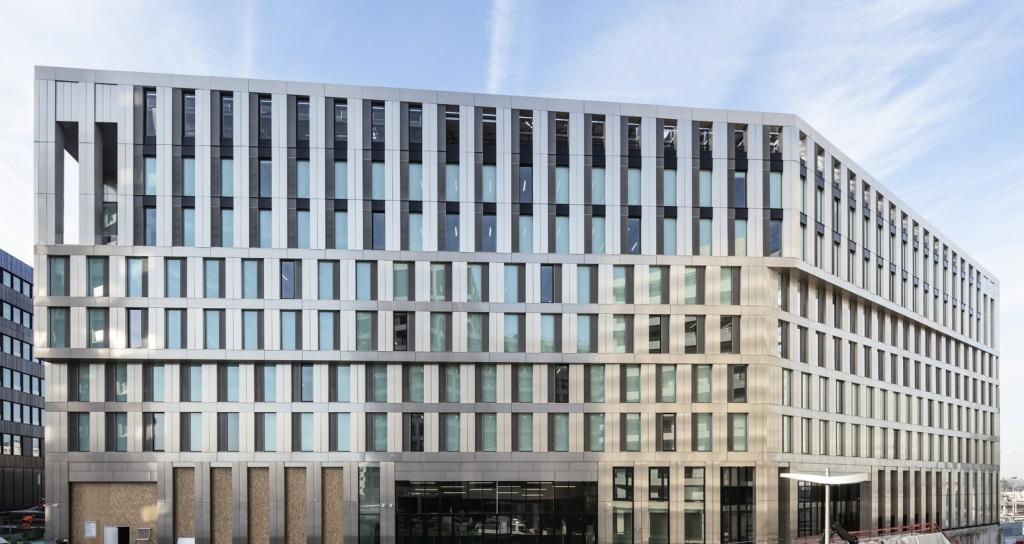 ENJOY-bois lamellé - Baumschlager Eberle Architekten and SCAPE - Green Office® ENJOY - PH 111 - photo by Luc Boegly