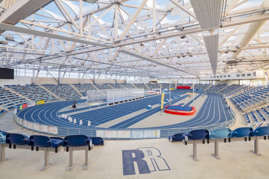 Stade d'athlétisme Miramas avec le bois lamellé